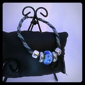Jewelry - Cute Milano glass and leather bracelet